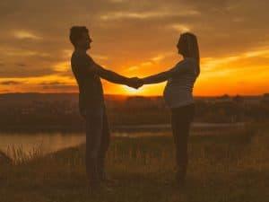 gravida-pode-fazer-amarracao-amorosa