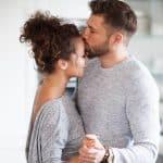 Como iniciar um relacionamento e não passar o Dia dos Namorados solteira?