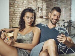 meu-marido-conversa-com-outras-no-whatsapp